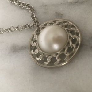 Pearl pendant chain necklace costume jewelry